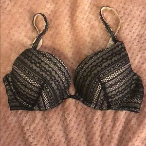 Victoria's Secret black and nude lace bra 32DD/34D
